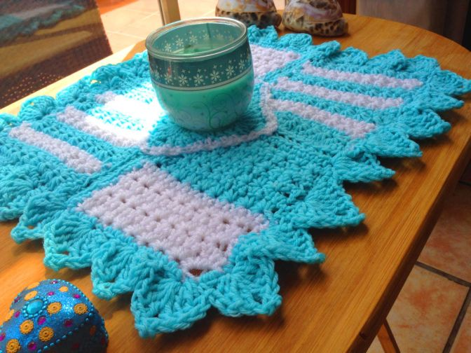 Free Pattern 'Diamond Desires' Crochet Table Mat